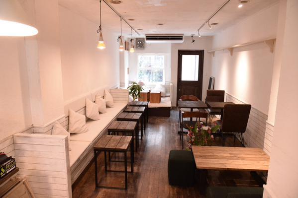 食べログに掲載されているShisha & Cafe Sifr店内画像