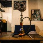多くの著名人が愛煙する「シーシャ」の魅力って何?